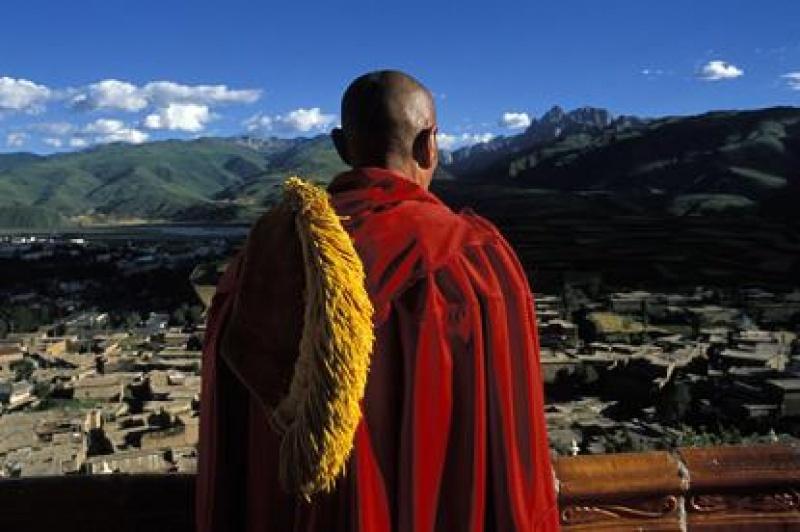 Ученые: Отпечатки рук указывают, что люди населяли Тибет восемь тыс. лет назад